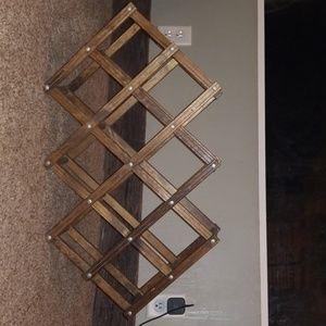 Expandable wine rack